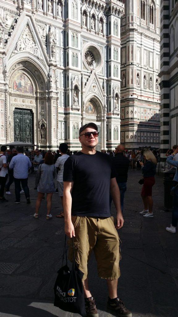 Janne Palander Firenzessa Santa Maria del Fioren edessa syyskuussa 2017. Kuva: Kirsi Ruti