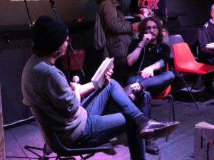 Runoilijan haastattelu